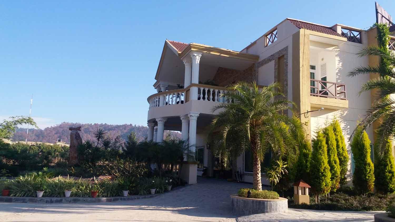 hellocorbett-resort-de-coracao